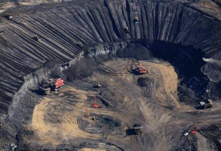 Aerial view of Syncrude Aurora tar sands mine in the Boreal forest north of Fort McMurray - photo Jiri Rezac